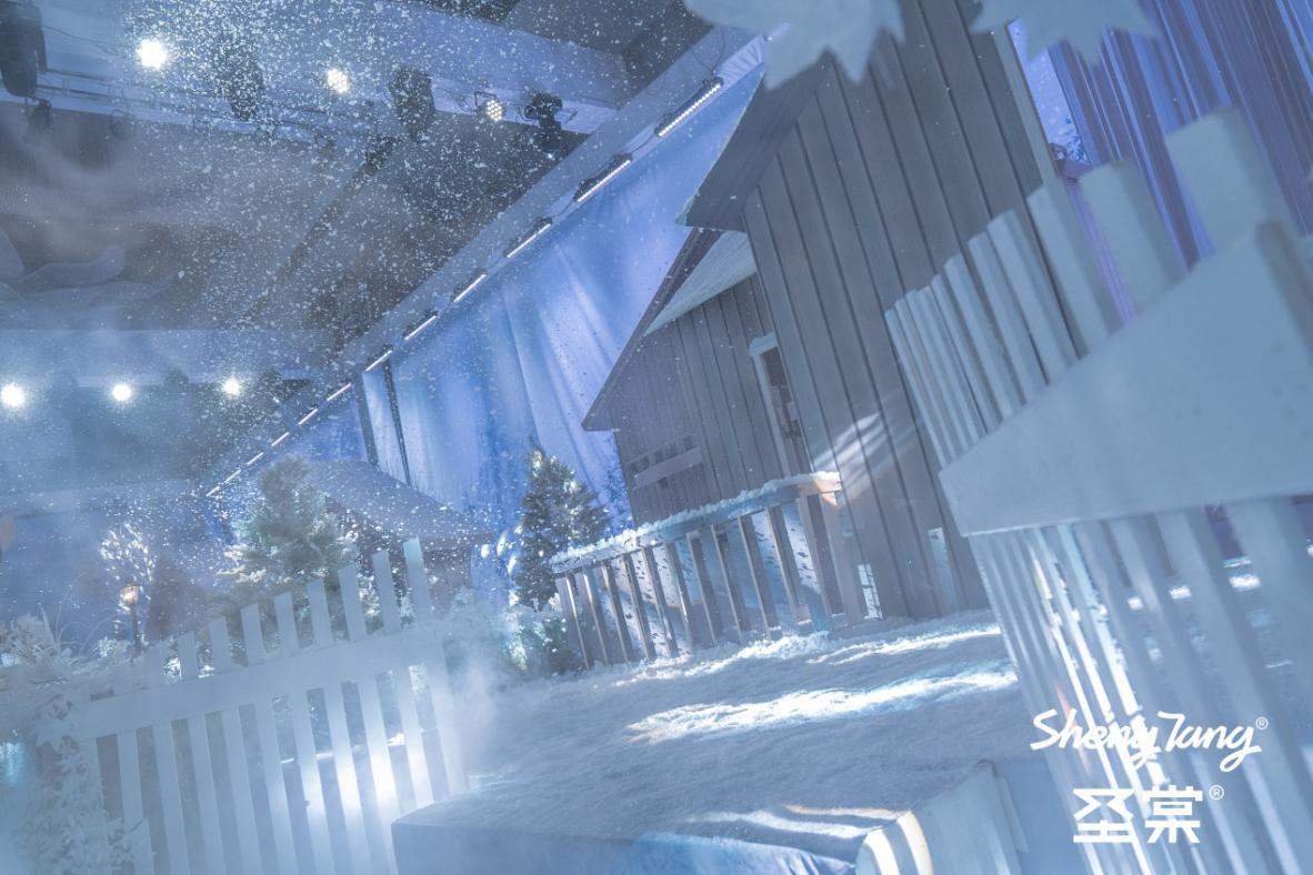 《雪中漫步》圣棠国际2019秋冬新品发布会!火热秋冬