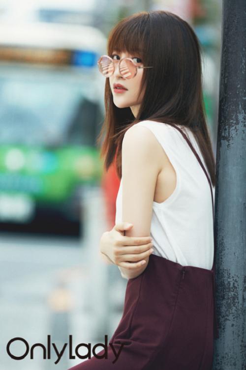 包文婧东京打卡人气眼镜店,发掘一镜两用的吸睛利器!