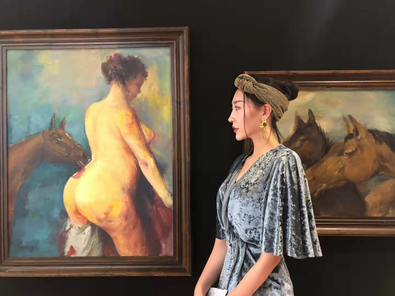 艺术家''王雅桐''亮相于法国巴黎卢浮宫艺术展
