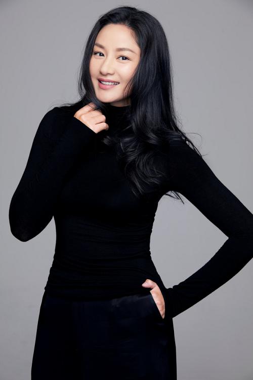 中国第一代国际超模瞿颖 将出席美人计&黑天鹅2019年度盛典