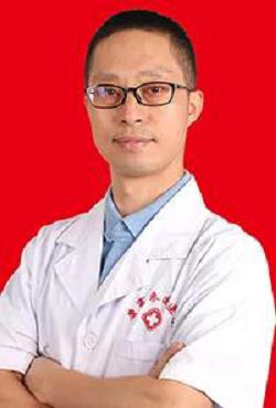 康富来国医馆受到中国民族医药学会脾胃病专业委员会理事的青睐